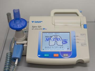 レントゲン検査/肺機能検査装置の写真