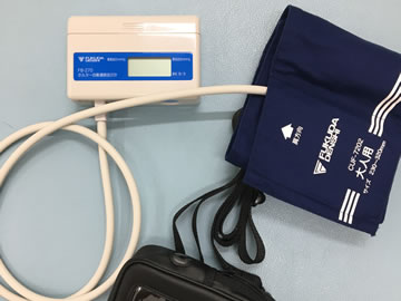 睡眠時無呼吸検査装置の写真
